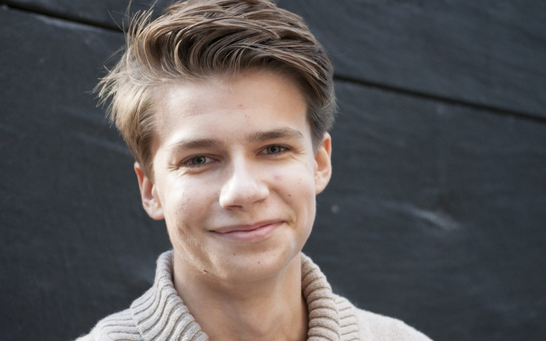 Pressmeddelande: Wictor, 17, får stipendium på Astronomins dag – firar med att visa upp stjärnorna